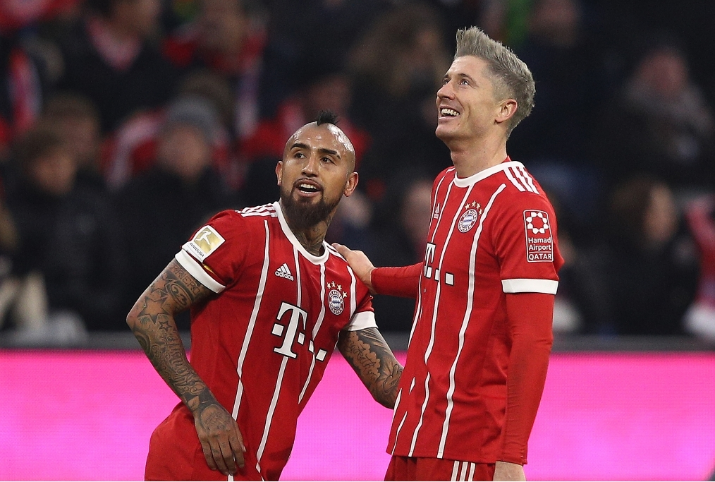 FC Bayern Muenchen v FC Augsburg - Bunde