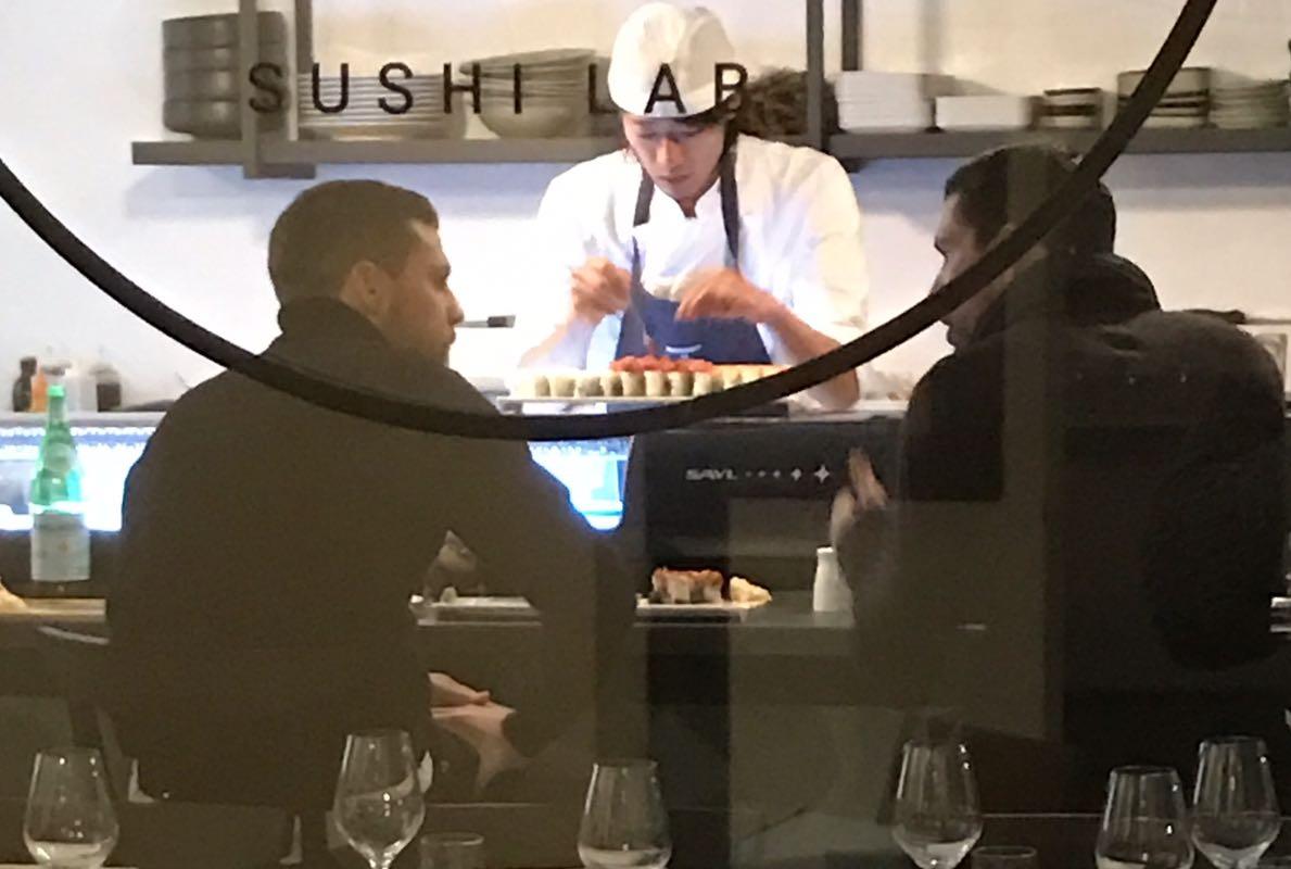 sushi bologna spunta foto di Borriello e