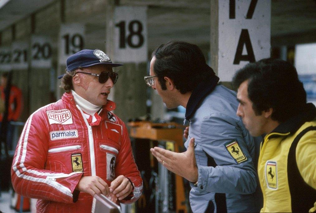 1977lIngegner Forghieri con Niki Lauda