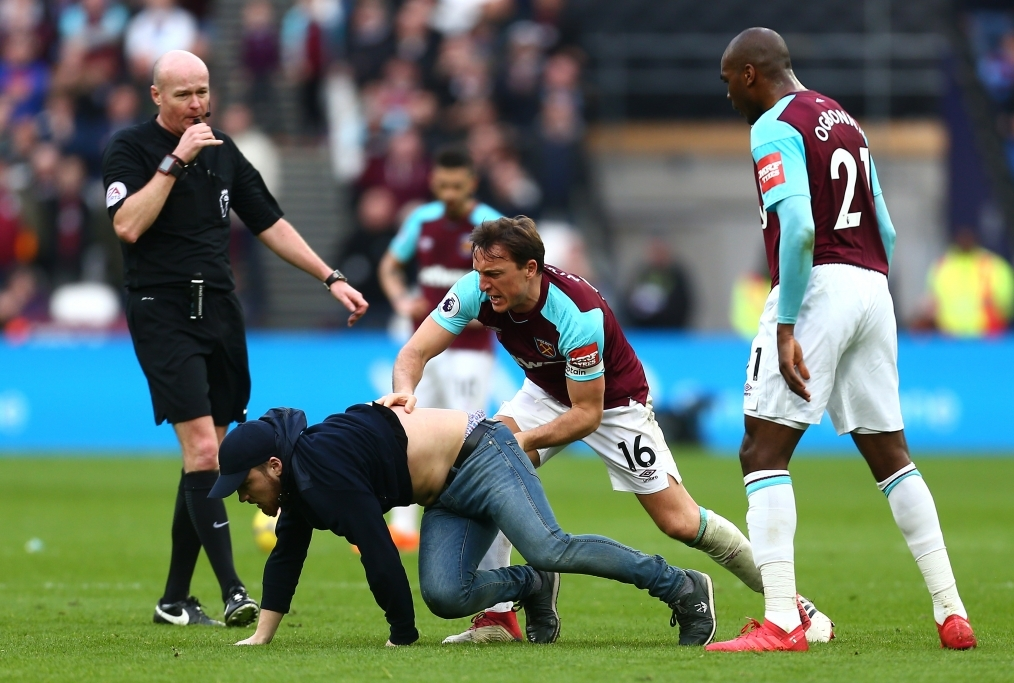 West Ham United v Burnley - Premier Leag