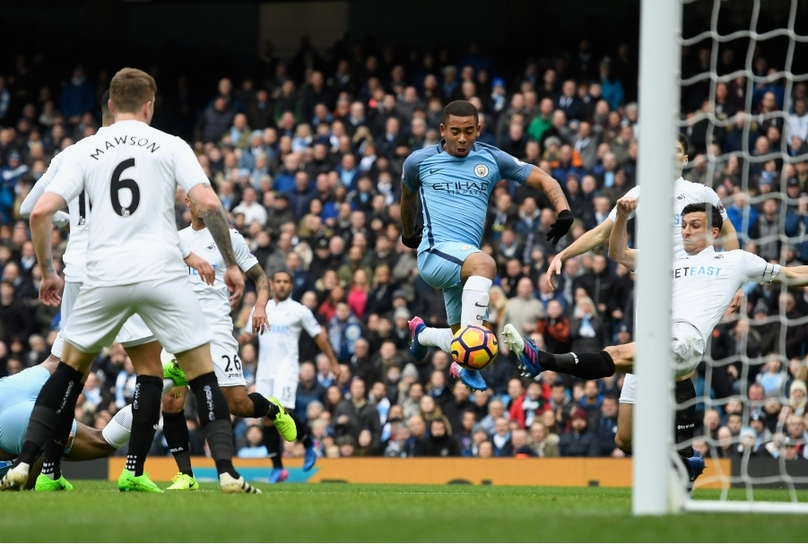 Manchester City v Swansea City - Premier