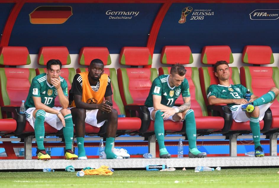 Giocatori della Germania dopo la sconfit