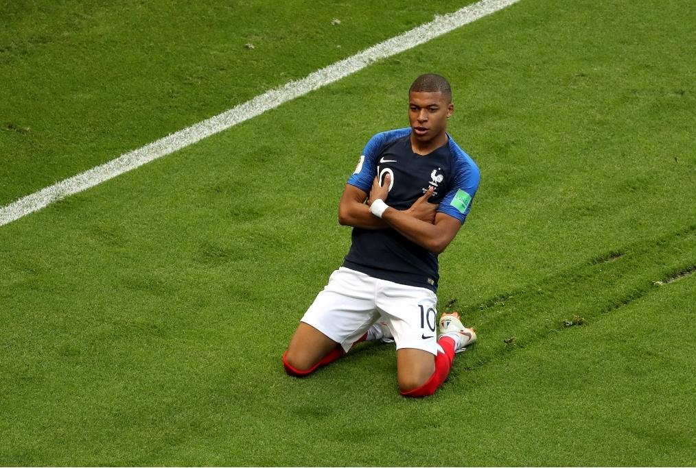 Mbappe esulta dopo il goal allArgentina