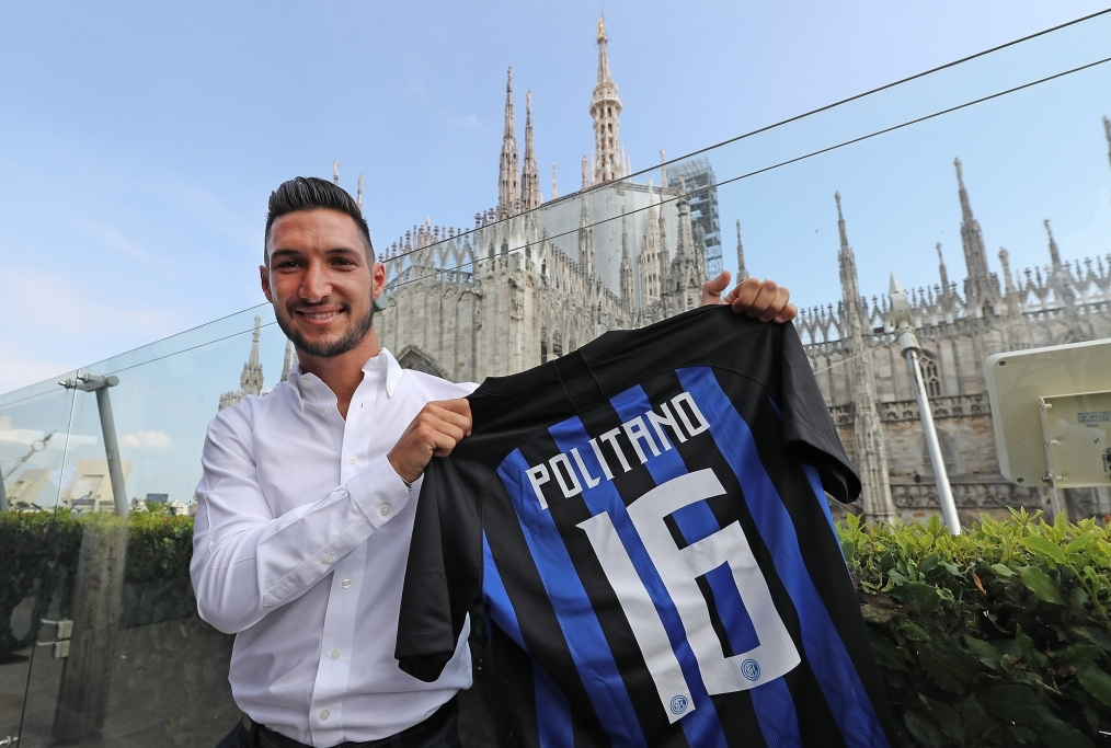FC Internazionale Unveils New Signing Ma
