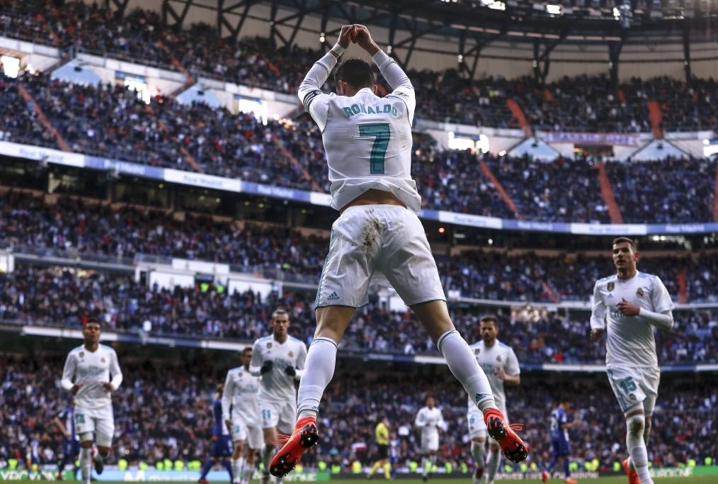 Real Madrid v Deportivo Alaves - La Liga