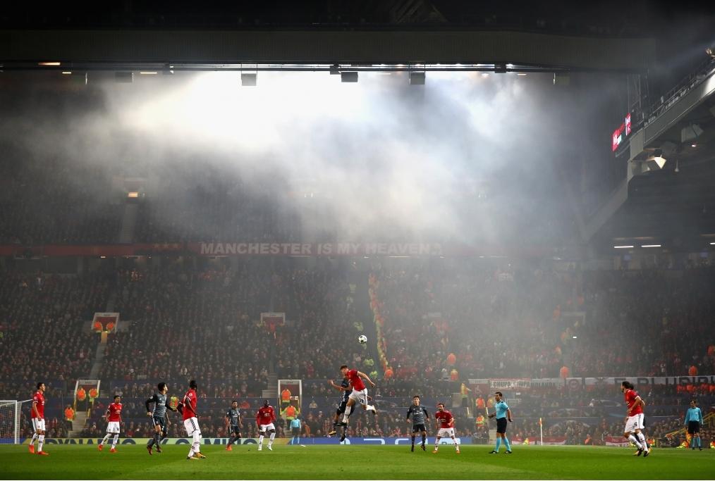 Manchester United v SL Benfica - UEFA Ch