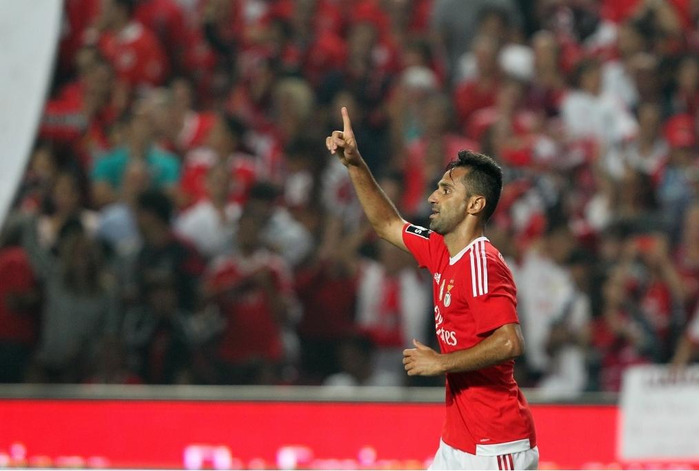 SL Benfica v GD Estoril Praia - Primeira