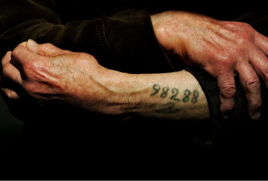 Auschwitz Survivor Leon Greenman 98288 A