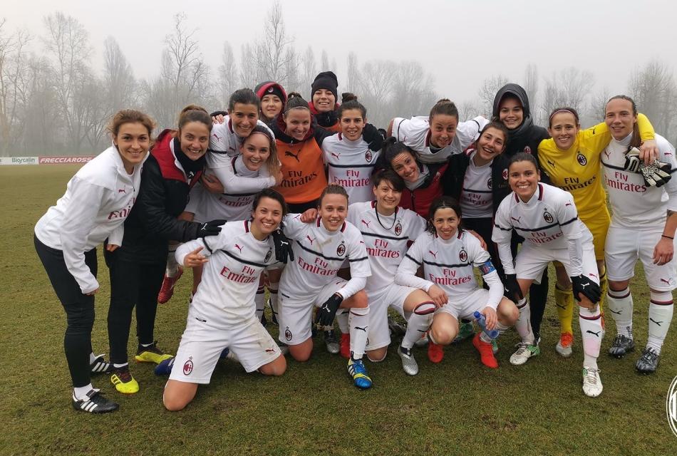 Il Milan femminile esulta dopo il 2 a 0