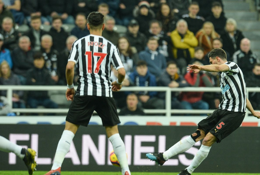 Newcastle United vs Burnley Fabian Scha