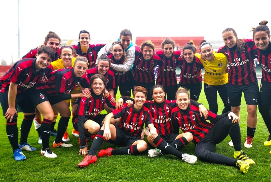 Il Milan femminile esulta per i tre punt