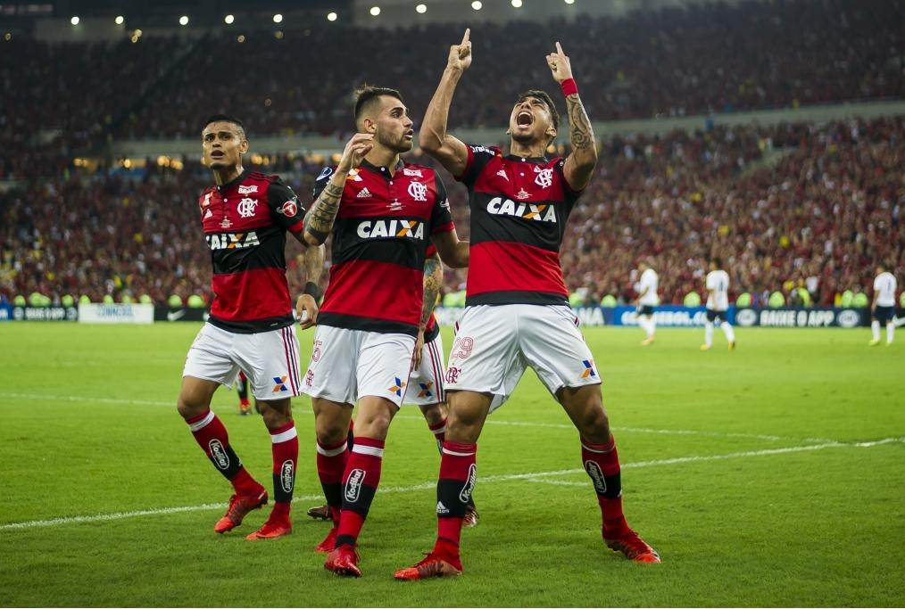 Flamengo v Independiente - Copa Sudameri