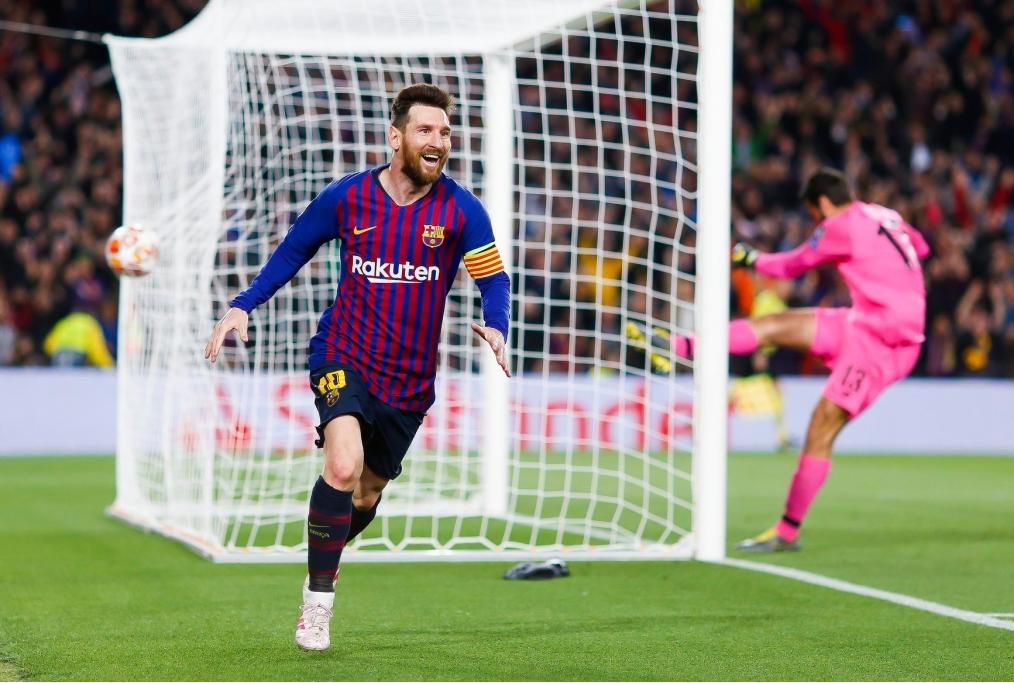Messi esulta