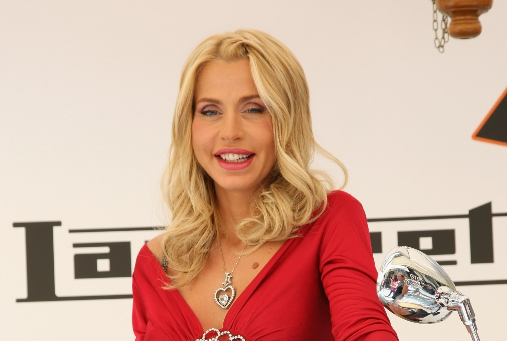 Valeria Marini Launches Lambretta Pato
