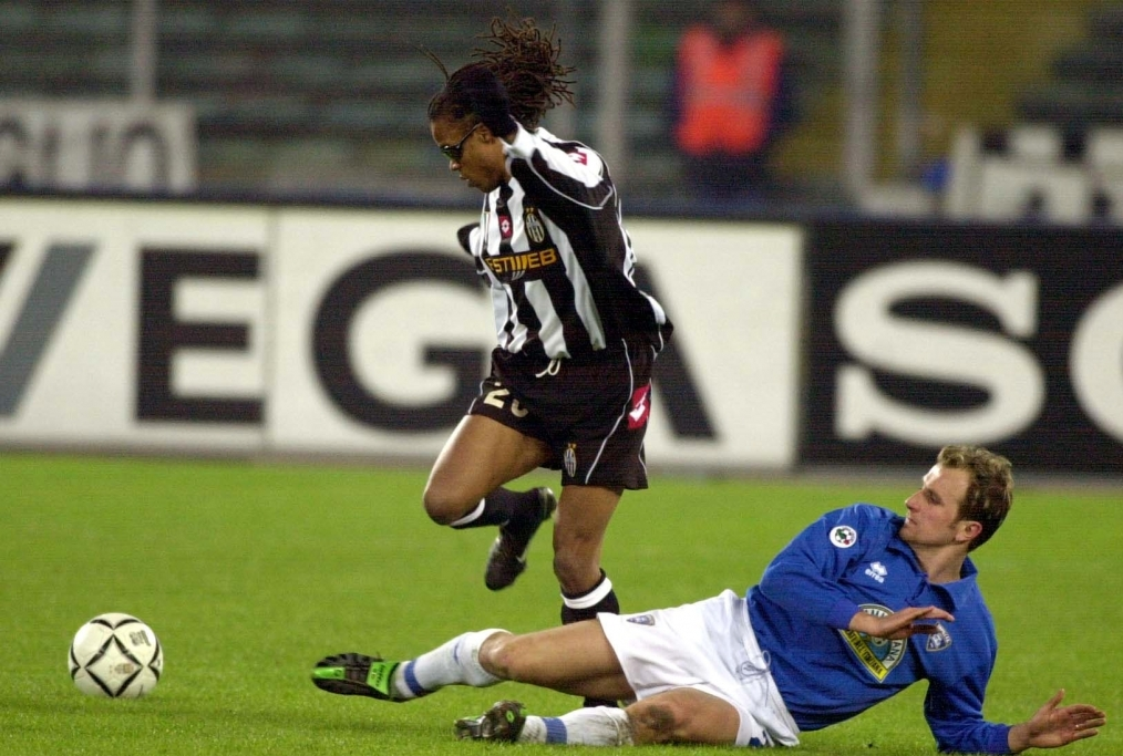 Edgar Davids of Juventus is challenged b