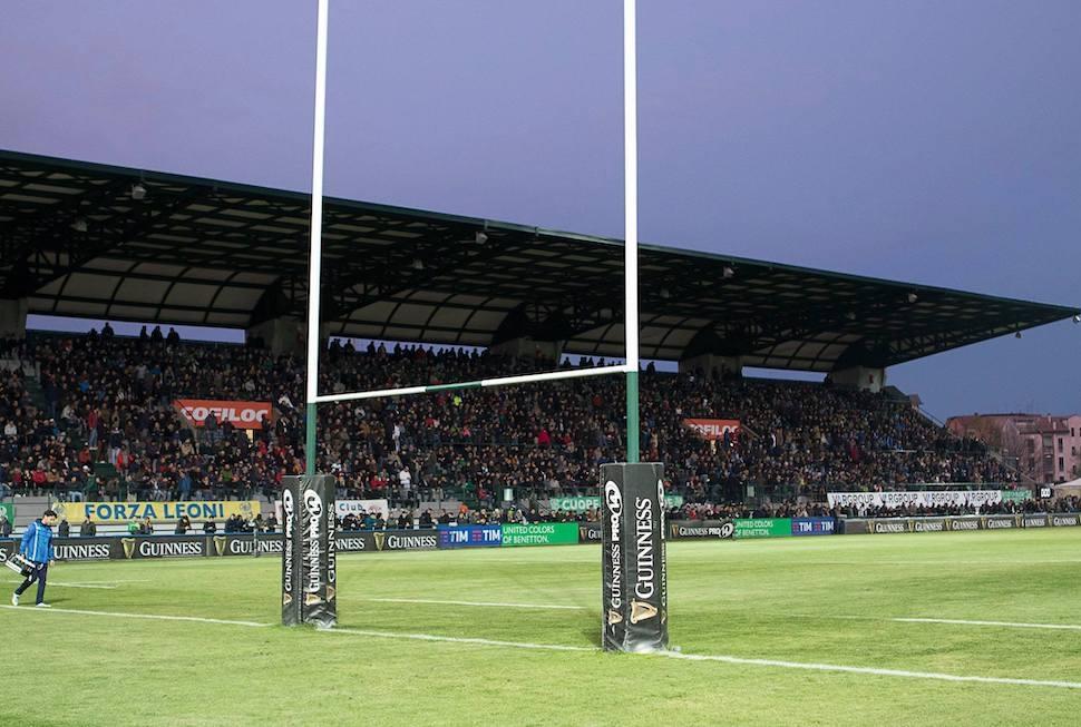 La nuova tribuna coperta dello stadio Mo