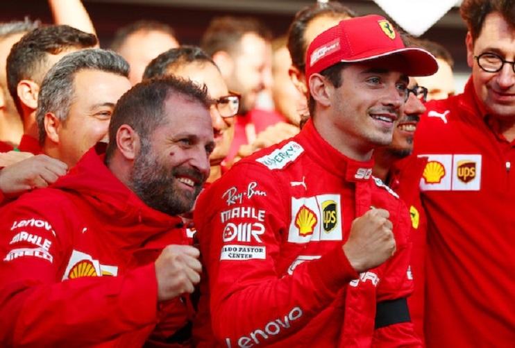 Charles Leclerc con il Team principal de