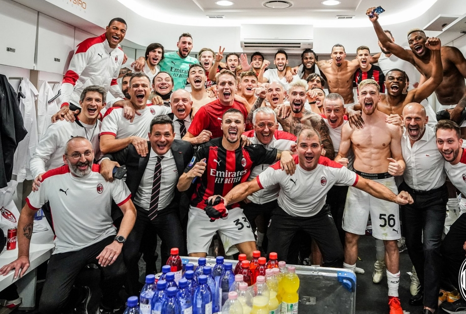 Esultanza Milan a fine gara