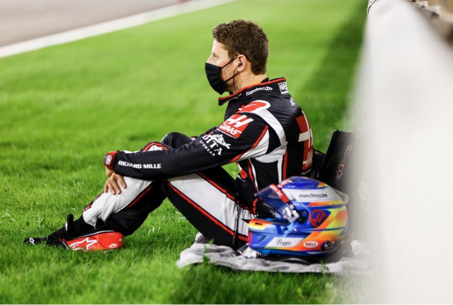 Romain Grosjean prima della partenza del