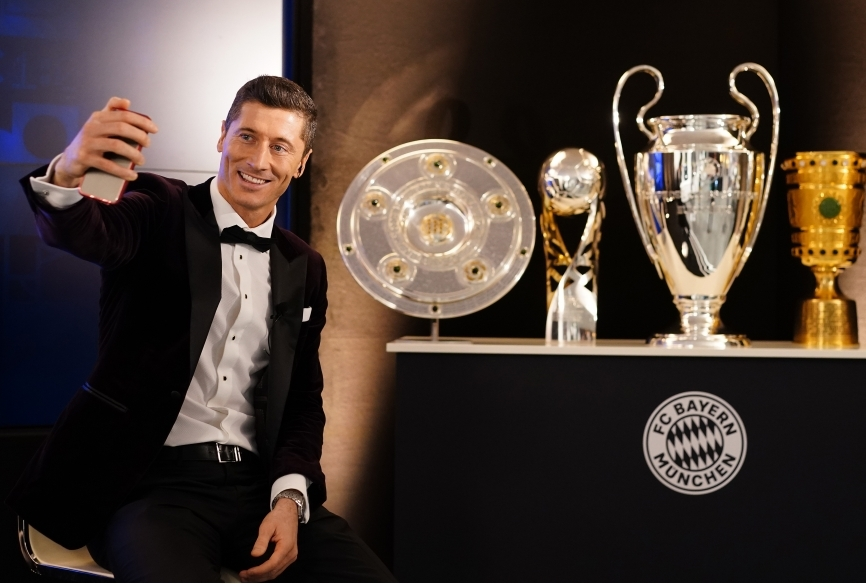 FC Bayern Muenchen Players And Staff Wat